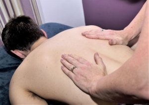 relaxing massage to de-stress and relax